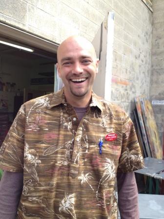 20121009_tj-employee.jpg