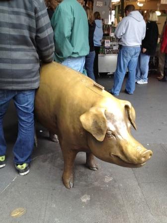 20121105_seattle-golden-pig.jpg