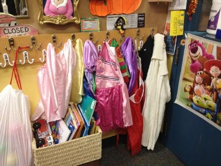 20121105_seattle-qfc-costumes.jpg