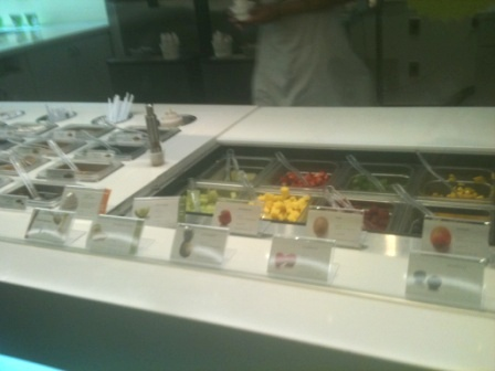 20110426_pinkberry-toppings.jpg