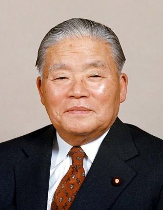 Masayoshi_Ohira_cropped_1_Masayoshi_Ohira_19781207